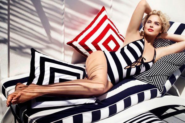 Pin-up photo of Margot Robbie